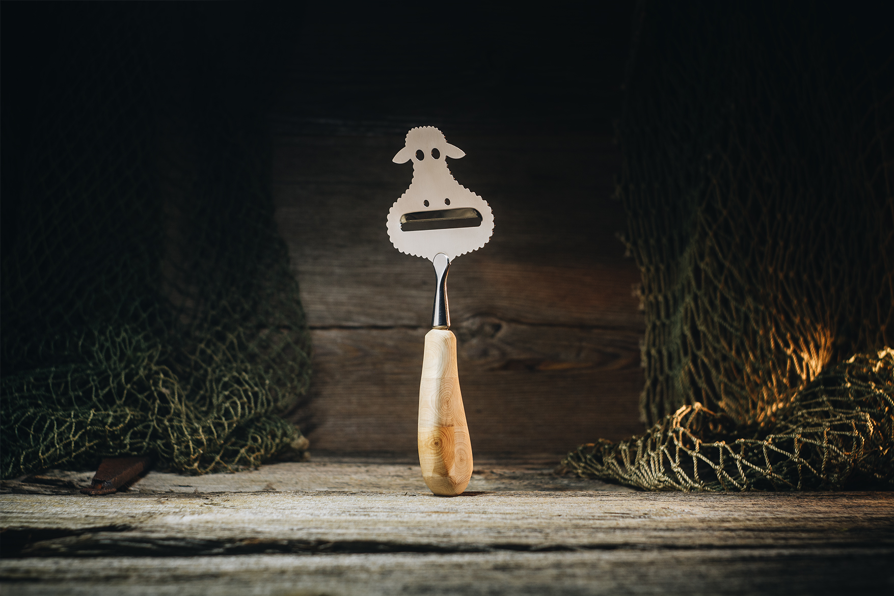 "Cheese slicer ""Sheep"" (juniper)"