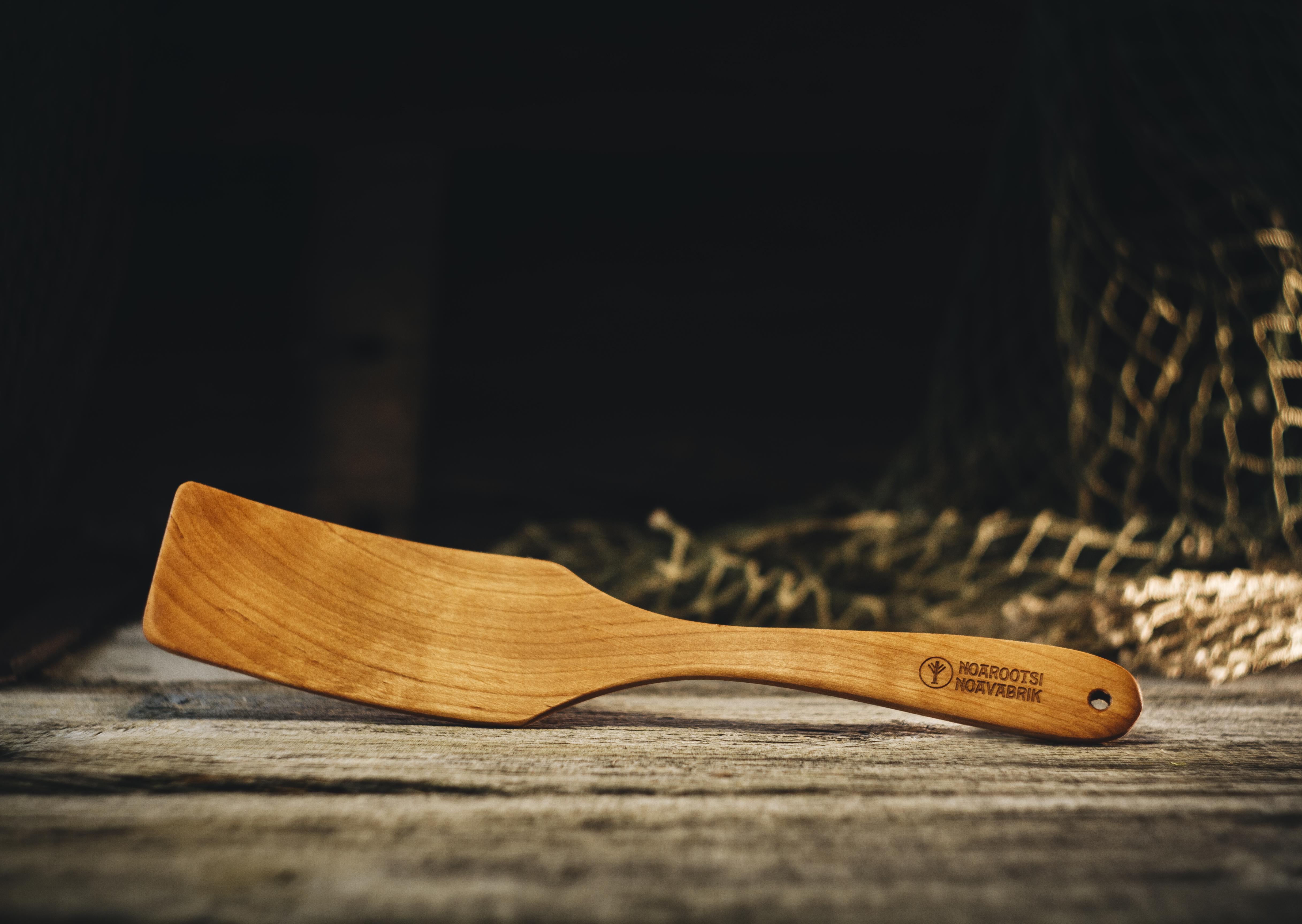 Pannilabidas kõver kitsas (lepp)/ Spade curved narrow (alder) 270 mm