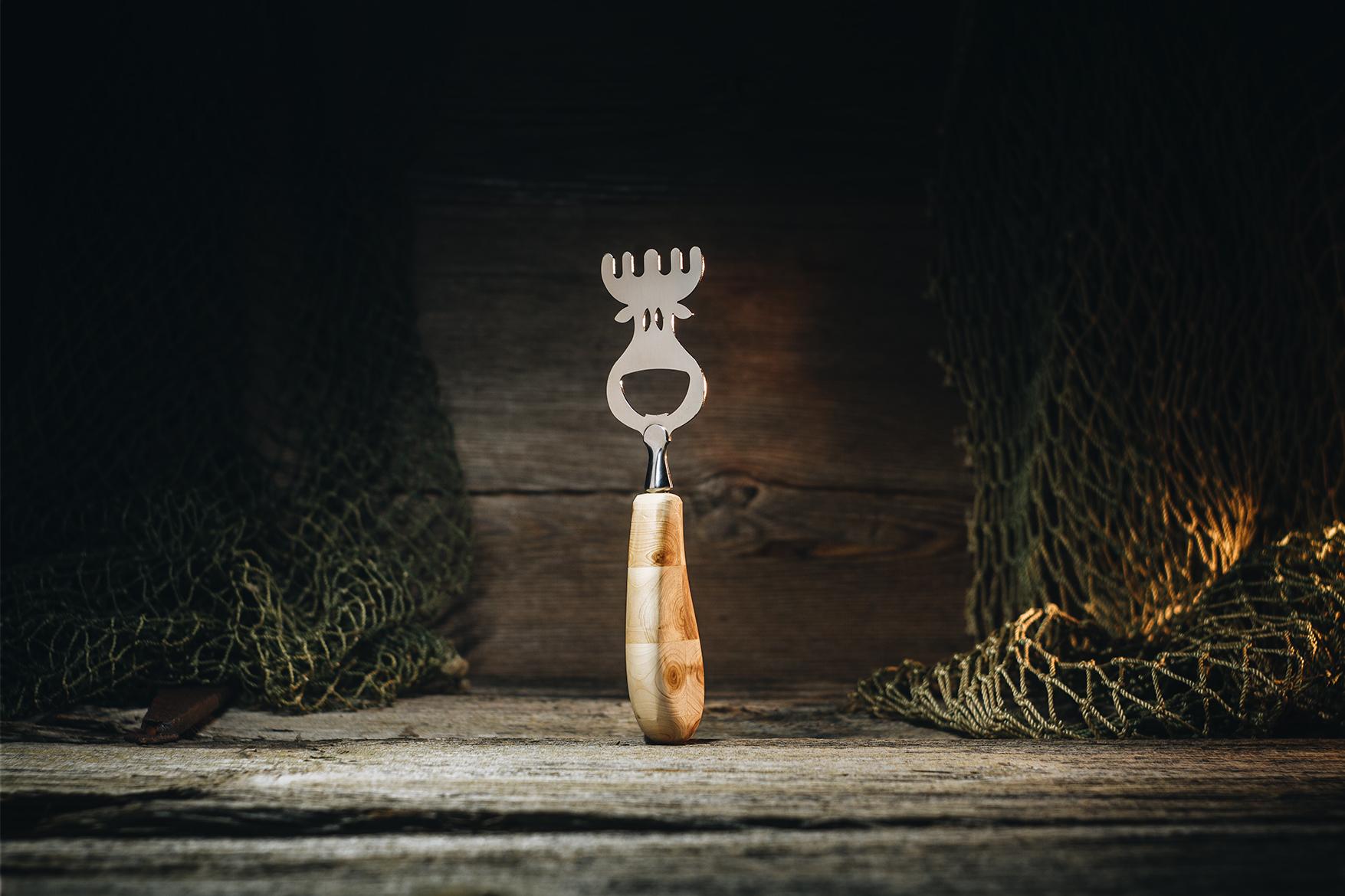 "Pudeliavaja ""Põder""(kadakas) / Bottle opener ""Elk"" (juniper)"