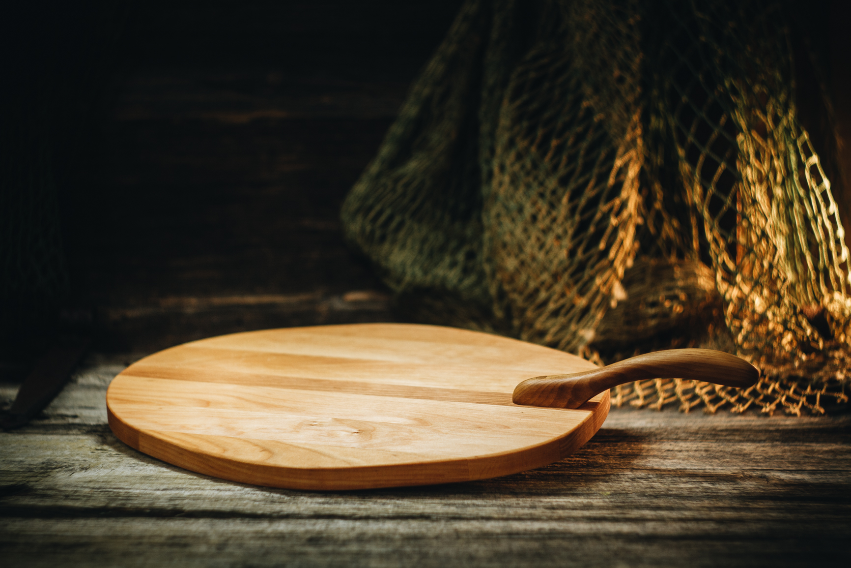 Lõikelaud sangaga (lepp)/ Cutting board with handle (alder)