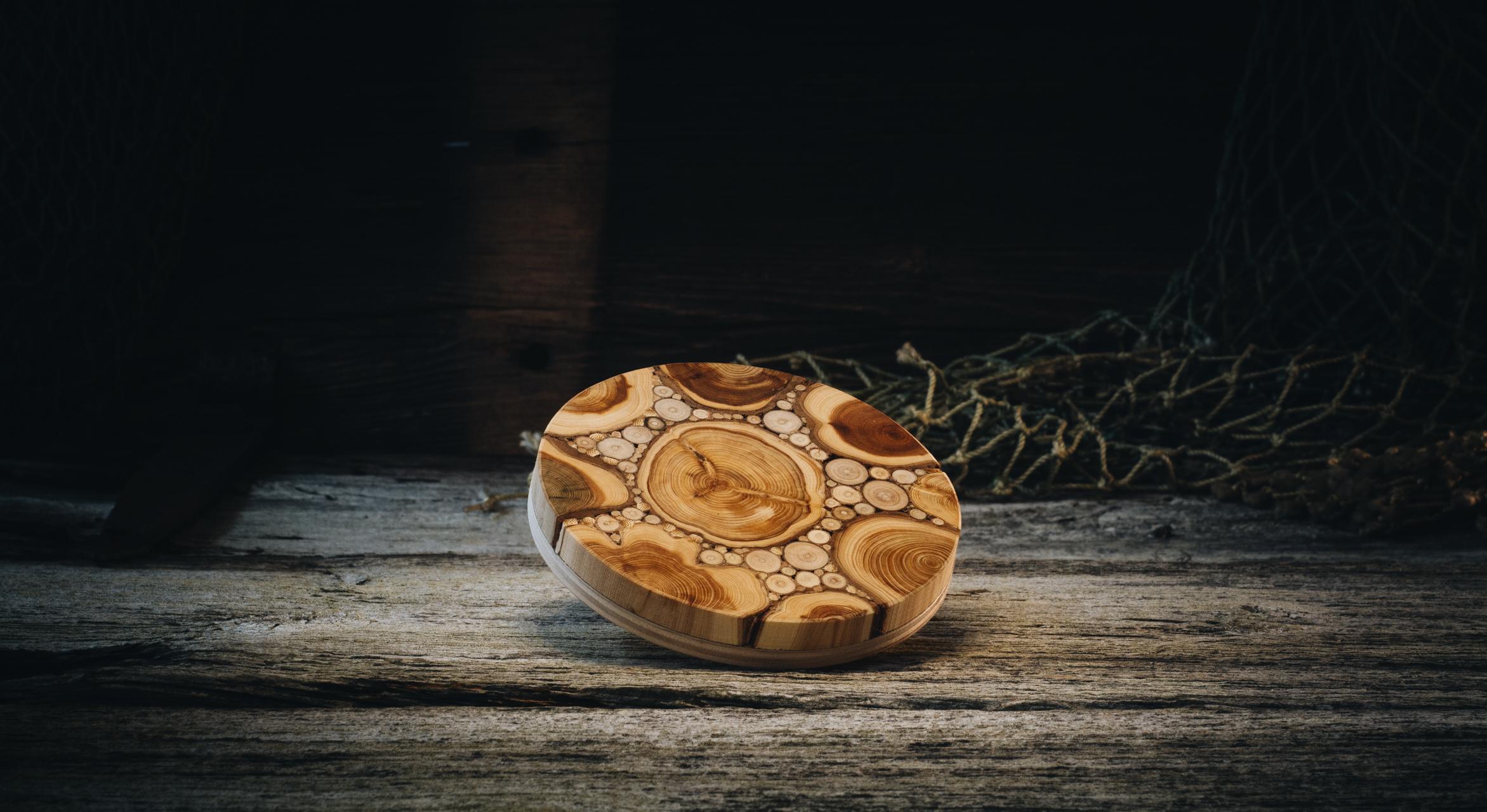 Kuumaalus ümar (kadakas)/ Hotplate round (juniper) 100 mm
