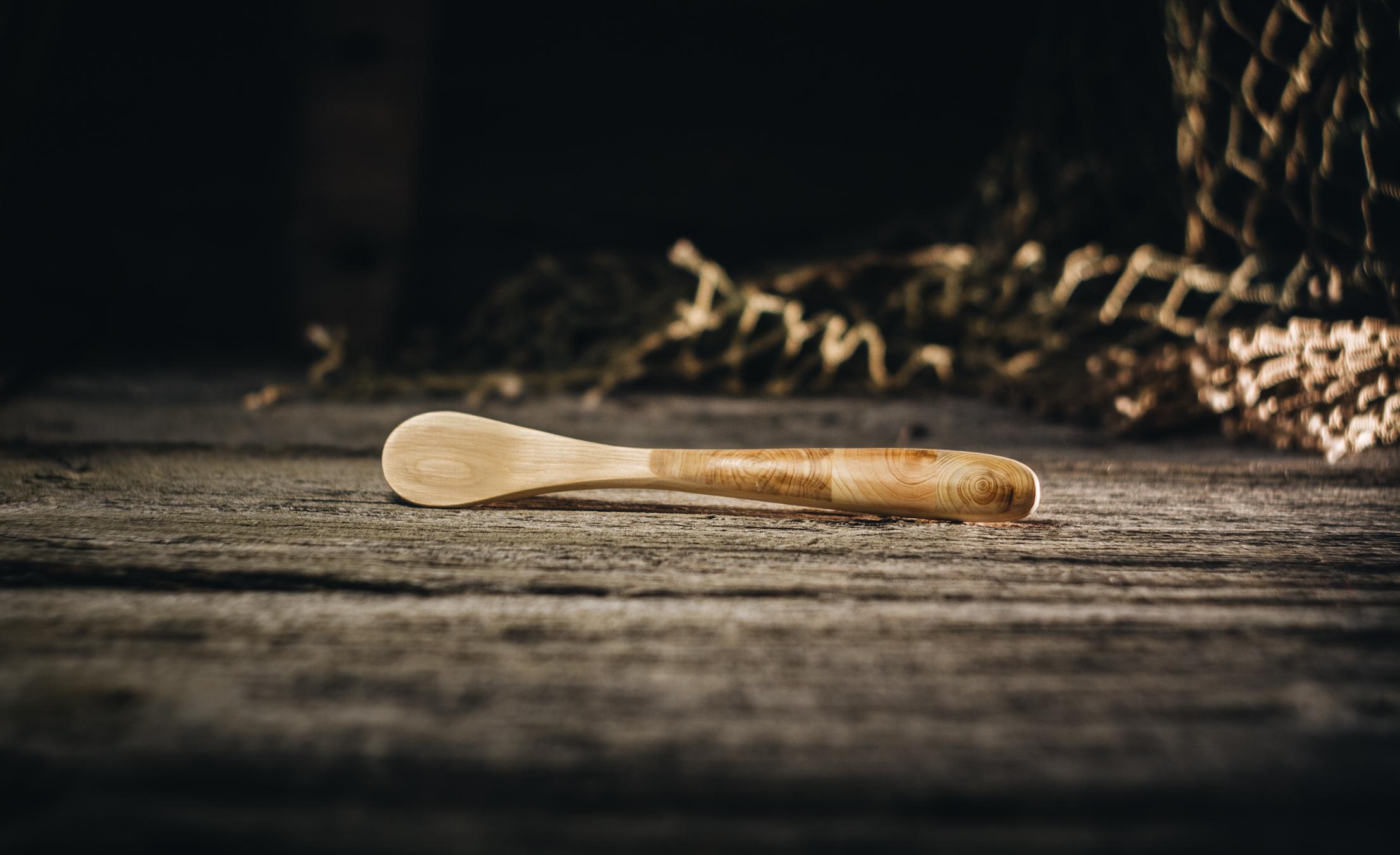 Sinepilusikas mosaiikpeaga (kadakas)/ Mustard spoon mosaic (juniper) 130 mm