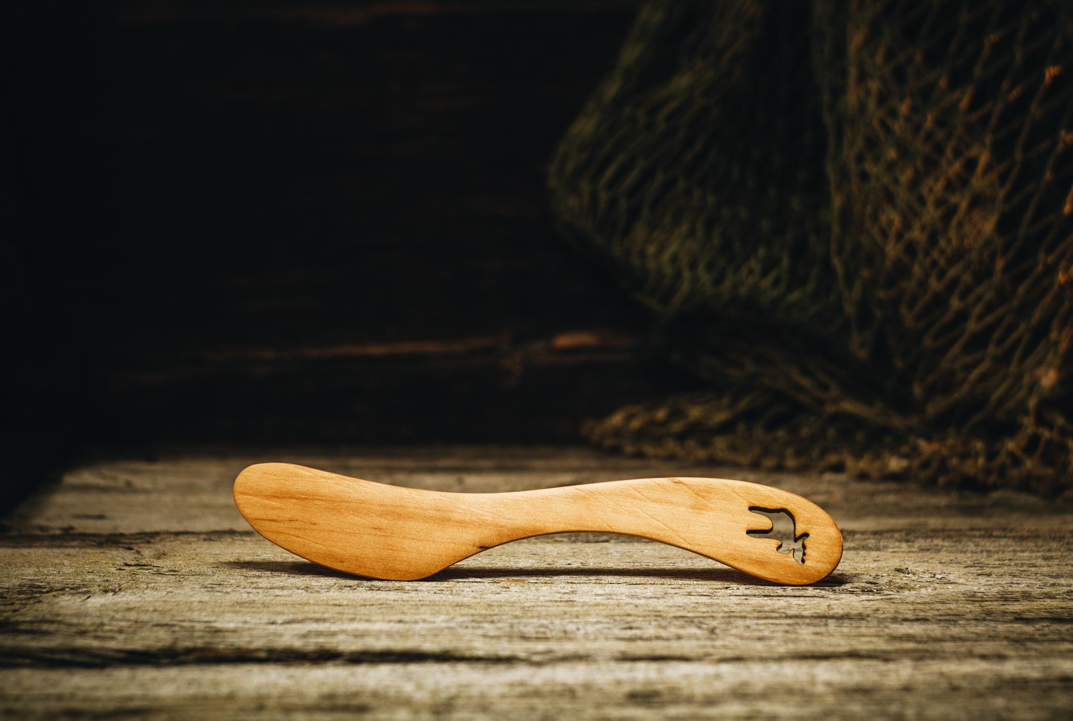 """Võinuga """"Põder""""(lepp) / Butter knife """"Elk""""(alder)"""
