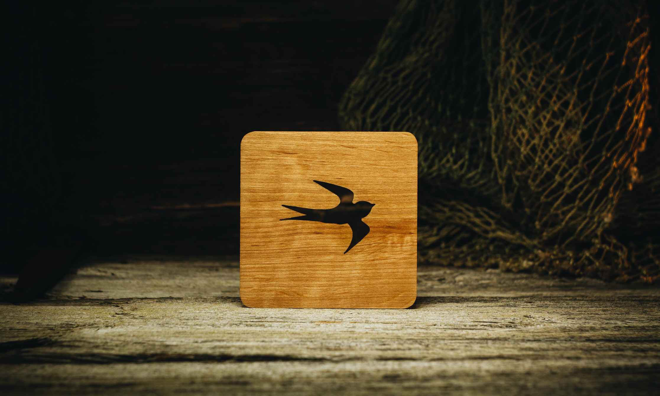 "Coaster ""Swallow"" (alder) 100x100x5 mm"