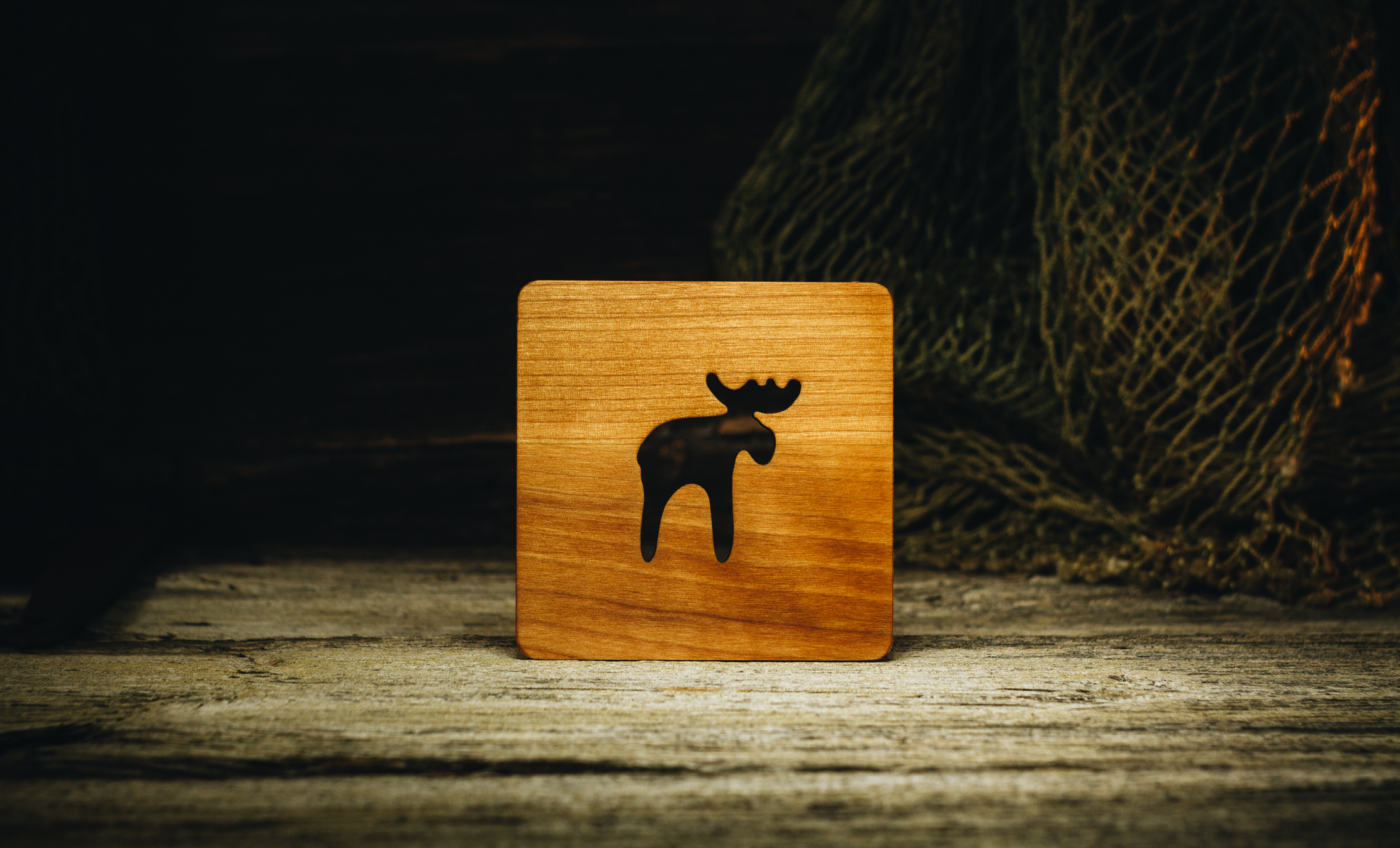 "Coaster ""Elk"" (alder) 100x100x5 mm"